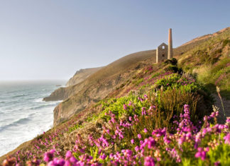 A view towards Wheal Coates tin mine on the North coast of Cornwall. Credit: Gary Eastwood/LOOP IMAGES