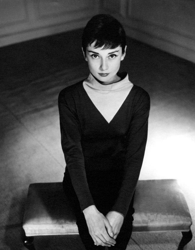 029.-Audrey-Hepburn-by-Anthony-Beauchamp