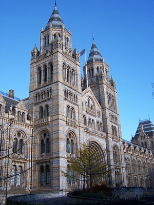 450px-Natural_History_Museum_001
