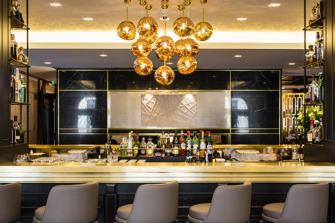 The Art-Deco style bar at the Baglioni | Five-star luxury by Kensington Palace | London hotels | five-star London