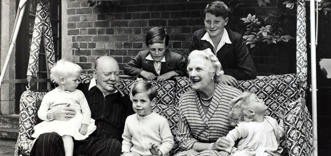 Churchill and Clementine with their grandchildren. Credit: Popperfoto/Getty Images