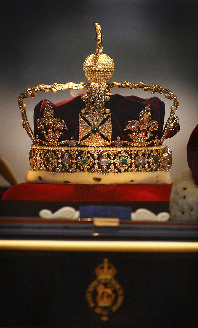 The Imperial State Crown. 12 wonders of Britain: British places everyone should visit once