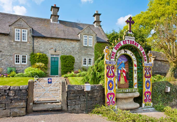 Noah-themed well dressing at Tissington, Derbyshire. © Alamy