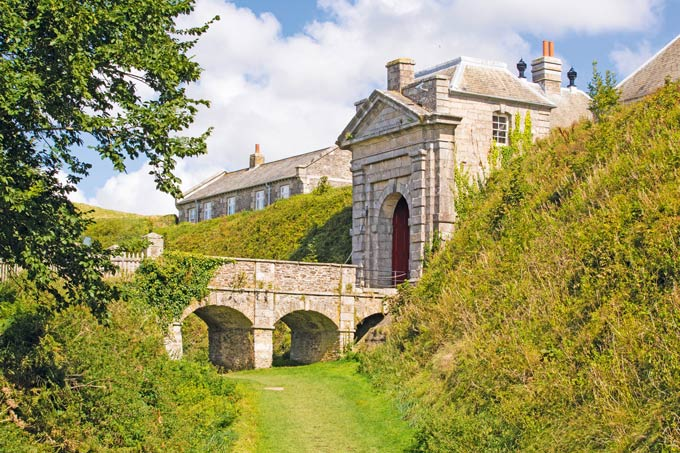 Pendennis Castle  is one of the finest fortresses built by King Henry VIII  and features in The King's General © Alamy