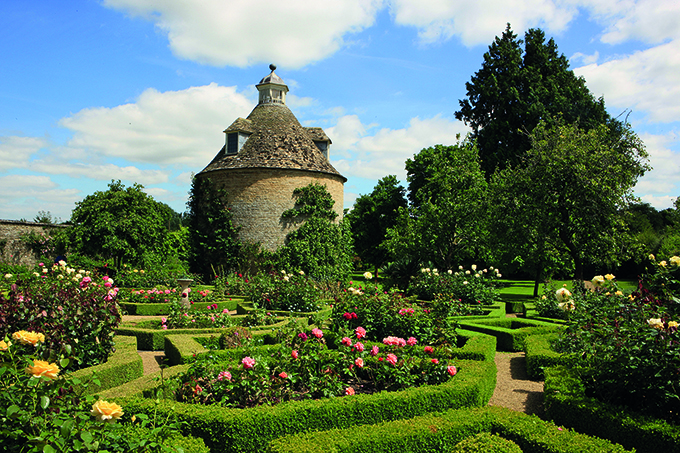 The Dovecote in the Pigeon House Garden at Rousham Park House. Credit: paul Felix Photography/Alamy