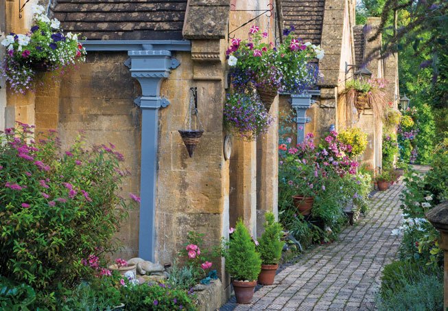 A pretty path in the Cotswolds