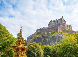 Edinburgh Castle and Gardens. Credit: Visit Britain