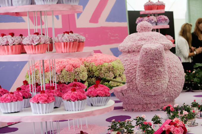 Edit Jon Enoch 67 Flower Cupcakes At Rhs Hampton Court