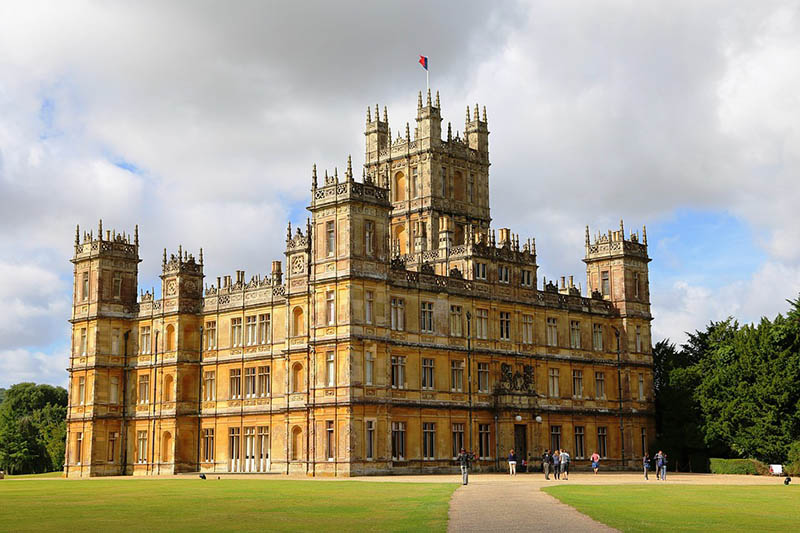 The Real Downton Abbey Highclere Castle Britain Magazine The