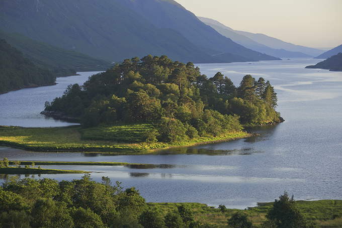 Glenfinnan in the Highlands. 12 wonders of Britain: British places everyone should visit once