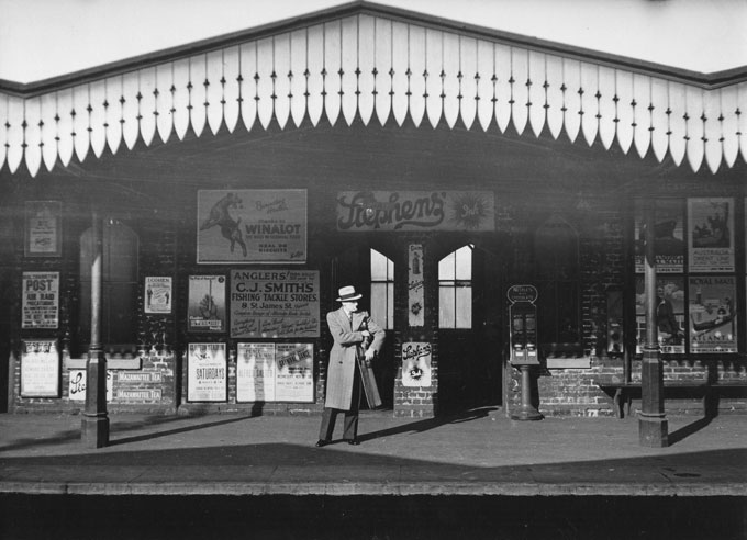 Kentish-Town-station,-London-1936-(c)-Edwin-Smith,-RIBA-Library-Photographs-Collection