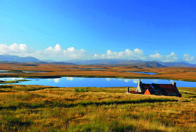 Knock and Lochan moorland on the Isle of Lewis, Scotland. Beautiful photos of Lewis and Harris