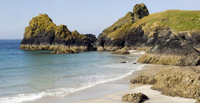 Kynance-Cove,-Cornwall-©National-Trust-Images-John-Millar