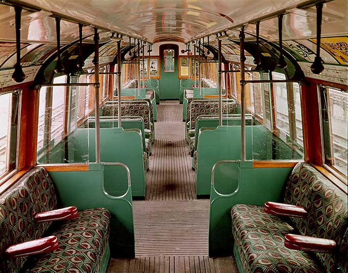 LRG_IMG_116_-_00-1-2_Interior_of_1938_tube_stock_carriage