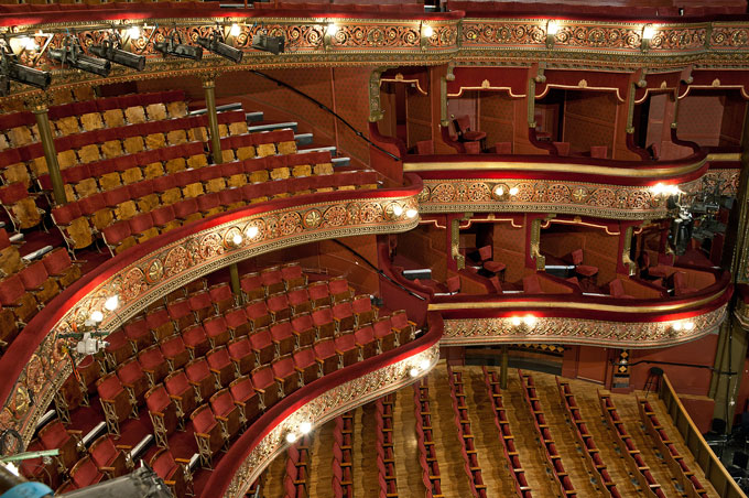 Leeds_Grand_Theatre_Auditorium_c2_Leeds_Grand_Theatre_and_Opera_House_Tony_O'Connell