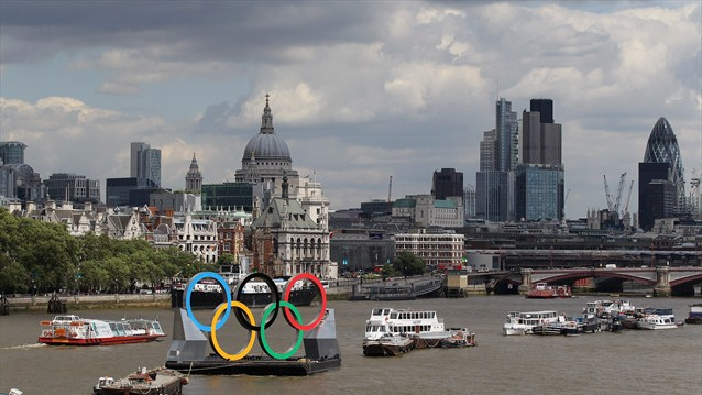 London 2012 Olympic Rings St. Pauls