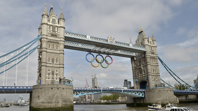 London 2012 Tower bridge Olympic Rings