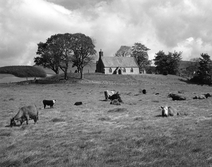 Lyne-Church,-Peebles,-Scotland-1967-(c)-Edwin-Smith,-RIBA-Library-Photographs-Collection