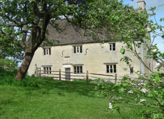 Woolsthorpe Manor in Lincolnshire   Sir Isaac Newton drawing discovered 350 years later