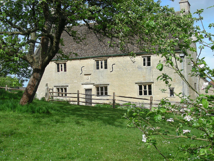 Woolsthorpe Manor in Lincolnshire | Sir Isaac Newton drawing discovered 350 years later