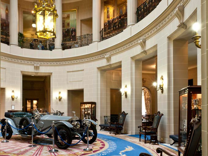 The rotunda in the Royal Automobile Club, Pall Mall