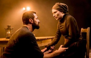 Richard-Armitage-and-Anna-Madeley-in-The-Old-Vic's-The-Crucible-(c)Johan-Persson-(9)