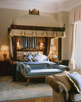 A Royal Suite bedroom at The Lanesborough