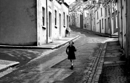 St-Columba's-Wells,-Londonderry-(Derry)-,-N-Ireland,-1965-(c)-Edwin-Smith,-RIBA-Library-Photographs-Collection