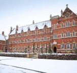 Stanbrook-Abbey-in-the-snow