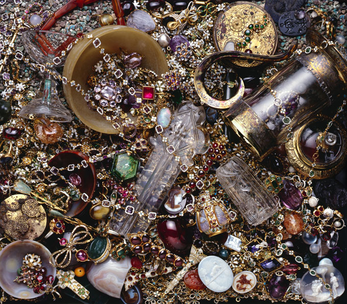 The-Cheapside-Hoard-(c)-Museum-of-London