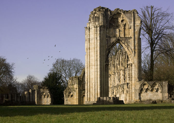 The-historical-ruins-of-St-Mary_s-Abbey-in-Museum-Gardens-in-the-daytime