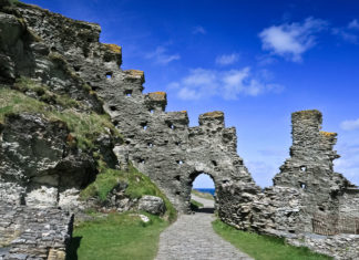 Tintagel Castle, Cornwall. Credit: Visit Britain