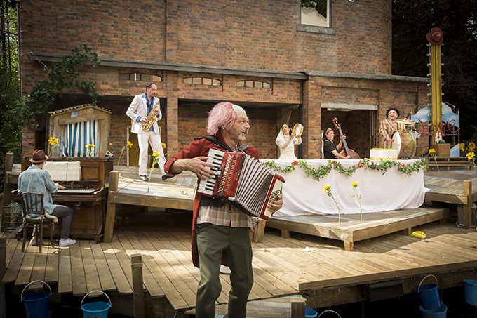Twelfth Night Re-imagined. Photo Johan Persson