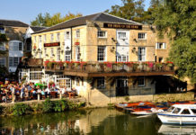 Exterior view of the Head of the River pub at Folly Bridge in Oxford, England. Credit: Visit Britain