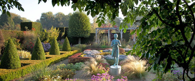 Waterperry-Gardens---Formal-Gardens