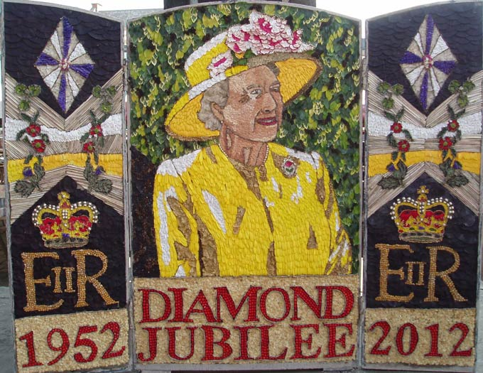 Chesterfeld Market's 2012 well dressing featuring The Queen