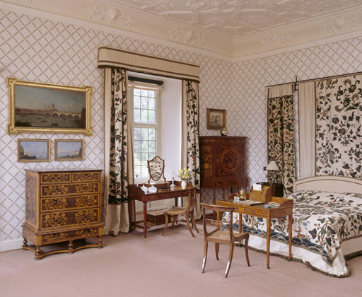 The West Turret Bedroom at Blickling Hall, with modern bed and late c17th or early c18th crewel work, chest of drawers, Chippendale mahogany dressing table & c17th Dutch escritoire. Anne Boleyn's birthplace