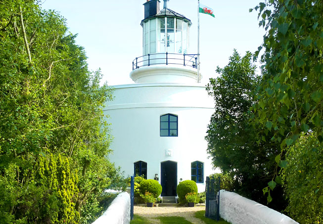 West Usk Lighthouse in Newport