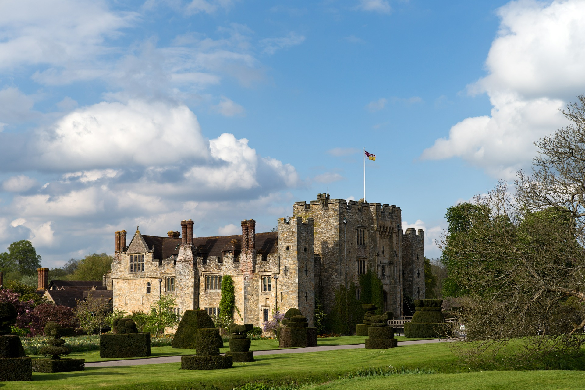 Hever Castle. Credit: Ron Porter from Pixabay