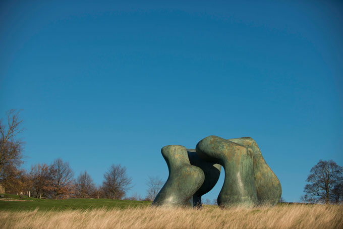 henry-moore-large-two-forms-1966-69-reproduced-by-permission-of-the-henry-moore-foundation-photo-©-jonty-wilde