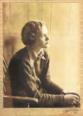 A portrait of du Maurier in 1932 © Constance Collier