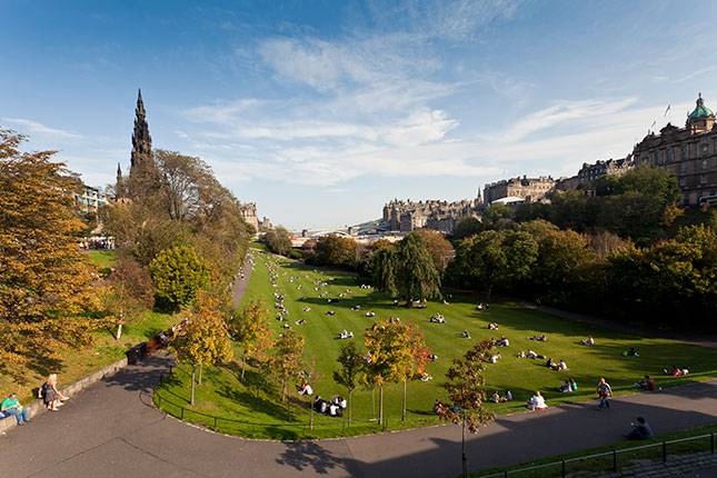 public park, princes street, simon winnall, edinburgh, scotland