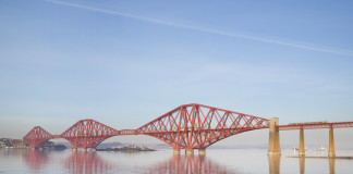 Forth Bridge/George Gaston/Wikipedia